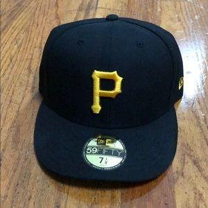 Brand new authentic new era Pittsburgh Pirates hat